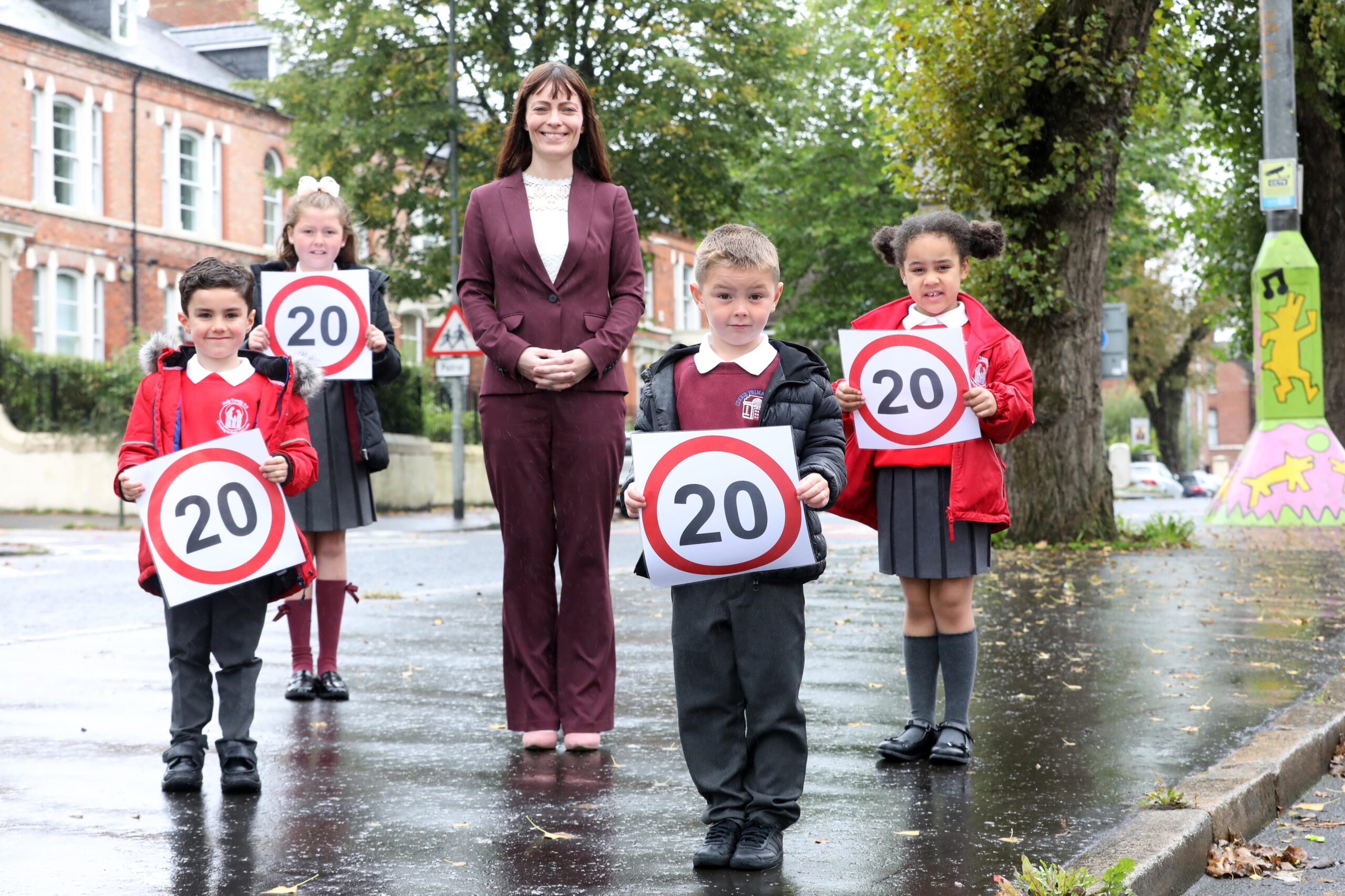 Minister Mallon Launches Roll Out of 20mph speed limit schemes at 100 schools - Newry news
