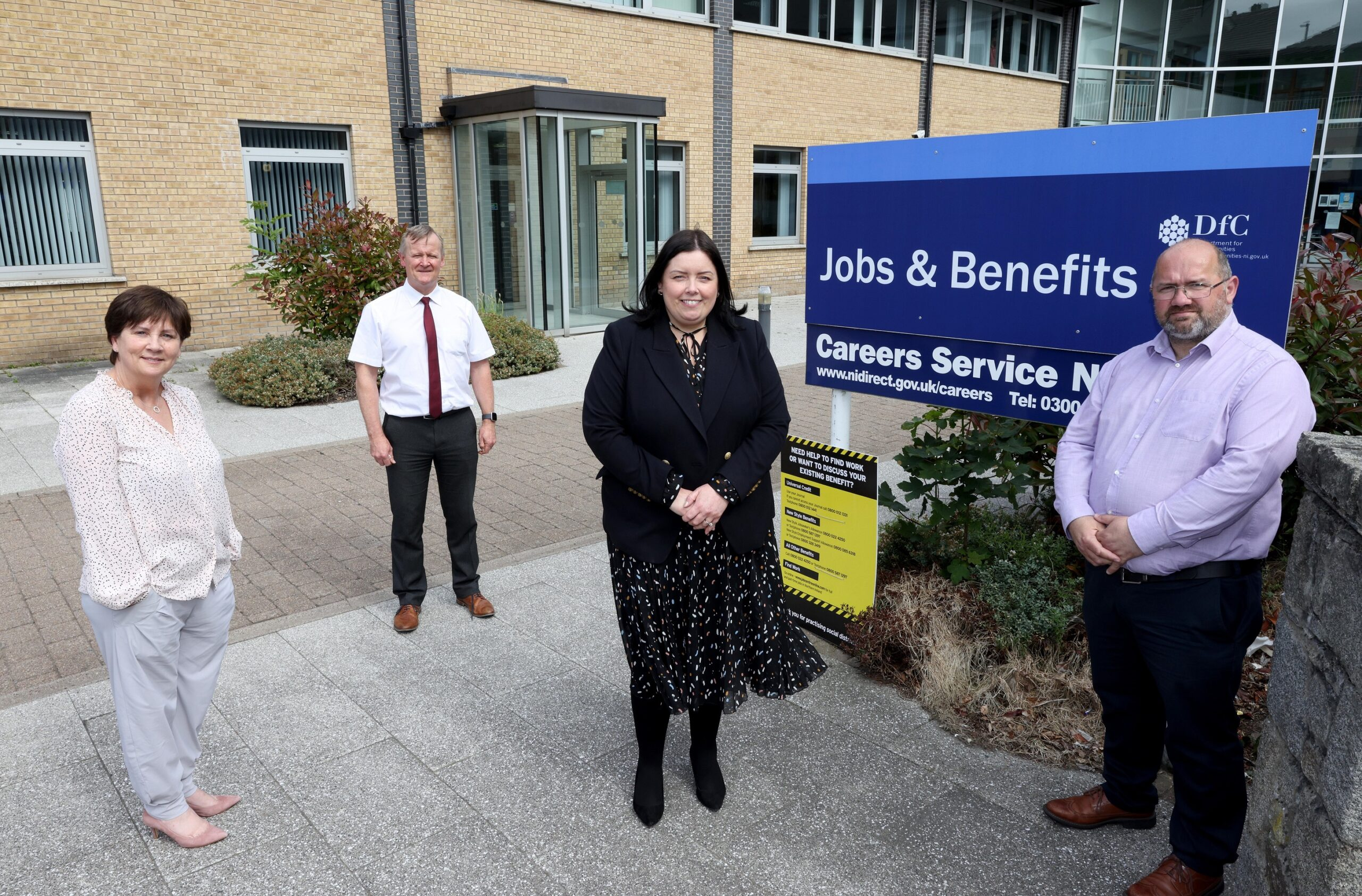 Minister acknowledges Universal Credit staff on visit to Newry office - Newry Times - newry news headlines